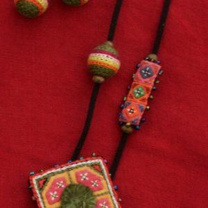 Crochet-Earrings-and-Pendant