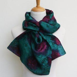 Hand-woven-water-effect-silk-scarf-green-plum